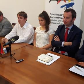 Krapkowice: Kandydat do Sejmu nie chce słuchać niemieckich  piosenek