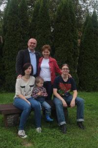 Foto1: Zuzanna und Andrzej Kasiura mit Familie Foto: privat.
