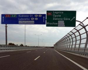 Autostrada przy Wrocławiu.