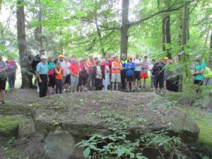 Teilnehmer an der Malapane beim Vortrag von Dr. Górecki  Foto: Towarzystwo Przyjaciół Ziemi Toszeckiej
