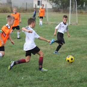 Fußballschulen wachsen, Infrastruktur auch