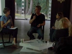 Diskussion mit v.l. Moderatorin Alicja Kulik (Polskie Radio Olsztyn), Jonas Büchel (urban institute, Riga), Weronika Czyżewska-Poncyljusz (Fundacja Pogranicze, Sejny)