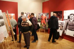 W ramach projektu goście mieli okazję poznać także innych piłkarzy związanych z polską i niemiecką historią.  Foto: DWPN