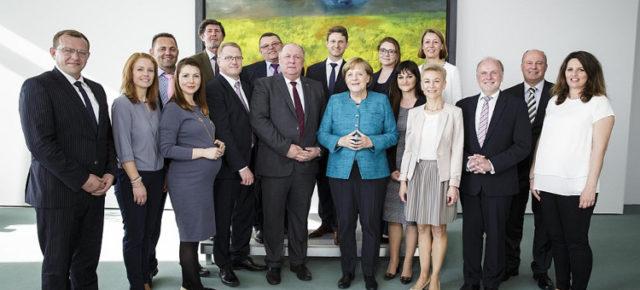 Merkel würdigt Verdienste