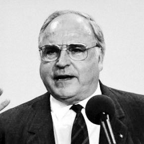 Kondolenzbuch für Helmut Kohl in Breslau und Oppeln
