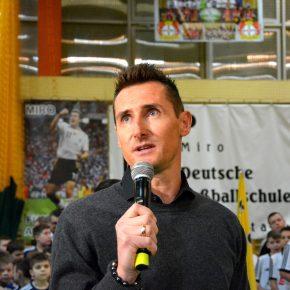 Miro Klose wird Ehrenbürger von Oppeln, und er besucht die deutschen Fußballschulen