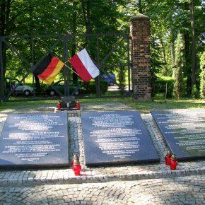 Wir gedenken der Toten des Lagers Zgoda