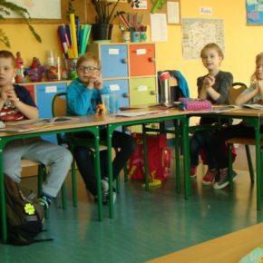 Przybyło szkół i uczniów